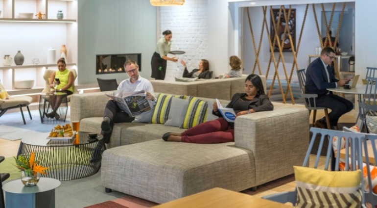 Holiday Inn Auckland Airport's newly refurbished public spaces