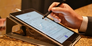 Crowne Plaza Auckland launches paperless check-in and check-out system